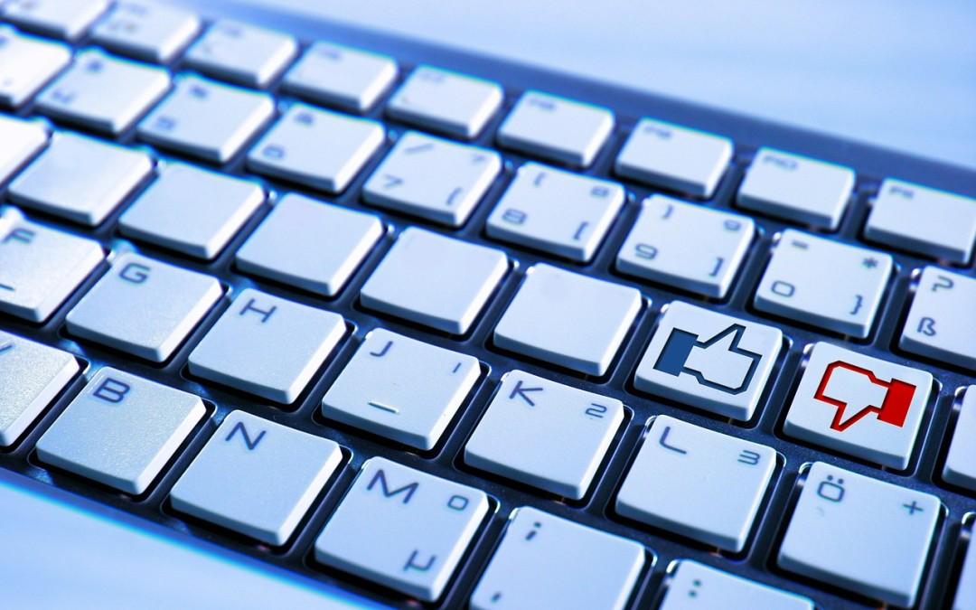 Konto na portalach społecznościowych. Czego nie publikować na Facebooku?